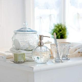 adressen von anbietern von m bel lampen tapeten und. Black Bedroom Furniture Sets. Home Design Ideas