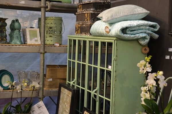 industrie look f r m bel und lampen. Black Bedroom Furniture Sets. Home Design Ideas