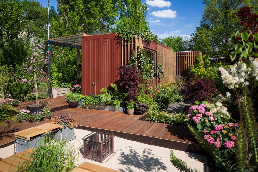 laube kleingarten schrebergarten deluxe landhaus look. Black Bedroom Furniture Sets. Home Design Ideas