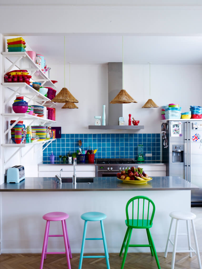 Wohnzimmer kamin: moderner kamin rumford. lizenzfreies stockbild ...