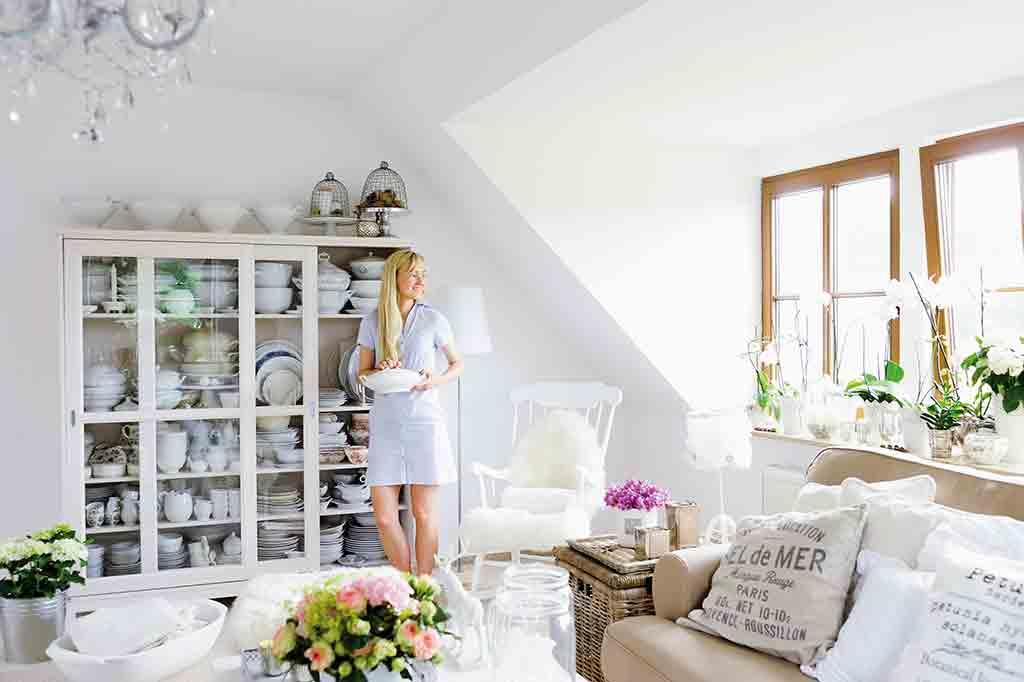 wohnen ganz romantisch landhaus look. Black Bedroom Furniture Sets. Home Design Ideas