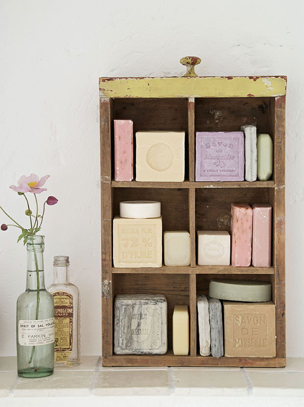 buchtipp zeitlos shabby wohnen dekorieren und fertigen im shabby style. Black Bedroom Furniture Sets. Home Design Ideas