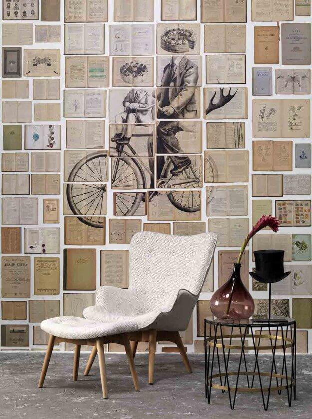 lesestoff an der wand viele alte buchseiten sorgen bei der tapete biblioteca f r vintage charme. Black Bedroom Furniture Sets. Home Design Ideas