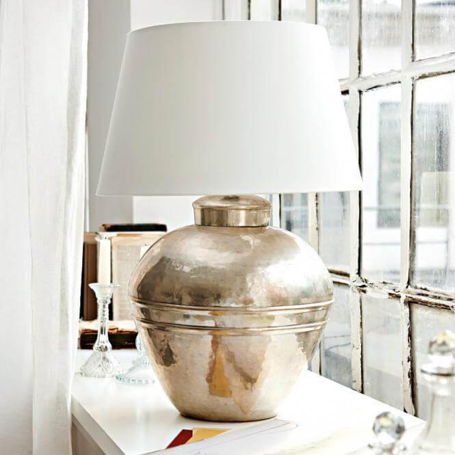 Wei er franz sischer landhausstil barocke leichtigkeit for Tischlampen vintage