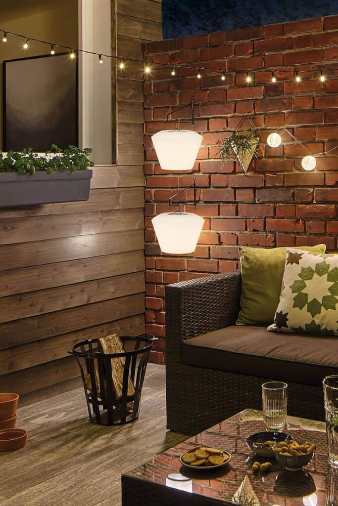 Gartenbeleuchtung Landhausstil Die mobile LED-Hängeleuchte Companion mit Akku ist wirklich sehr flexibel: Im Handumdrehen lässt sie sich in eine Tisch- oder Bodenleuchte umfunktionieren.