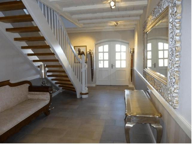 landhaus in reestow flur. Black Bedroom Furniture Sets. Home Design Ideas