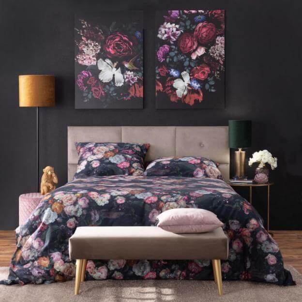 Prunkvoll und edel: Schlafzimmer mit VIntage Blumen