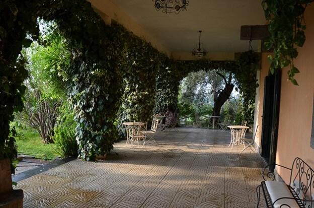 Die Loggia eines Landhausgutes