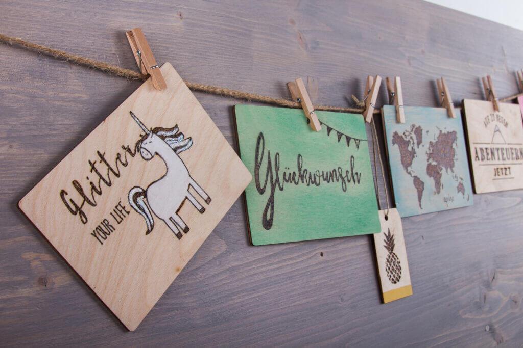 """Holzpostkarten zum Verschicken und / oder als Wanddekoration: Brennen, gestalten, Adresse drauf, frei machen und """"ab geht die Post""""!"""