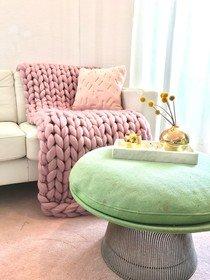 Wolldecke Chunky Knit in pale pink_ kuschelweicher Hingucker auf jeder Couch