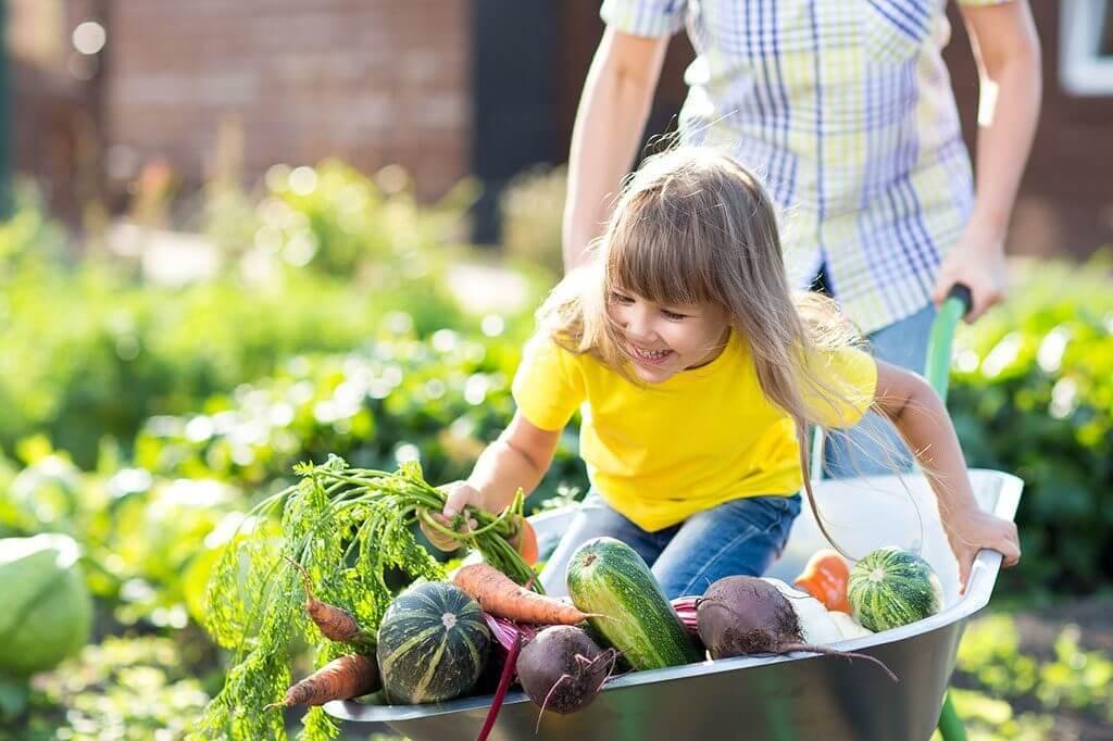 Für Familien mit Kinder ist ein Landhaus mit Garten das perfekte Zuhause