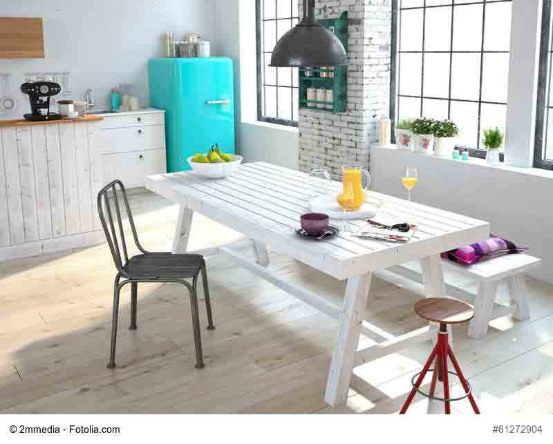 Auch Vintage Möbel passen wunderbar zum skandinavischen Landhausstil.