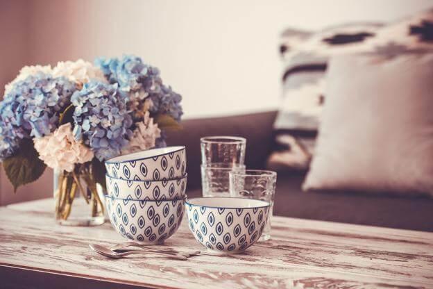 hortensie als Tischdeko im Landhausstil